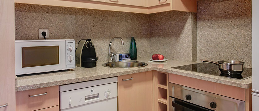 Residence Andorra Apartments, kitchen area.jpg
